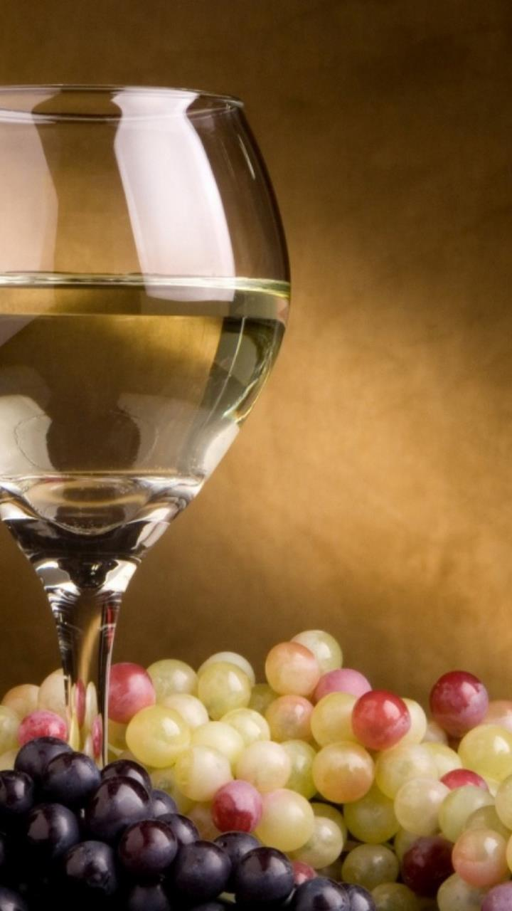 wine and grapes for Mobile Phones